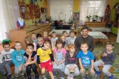 Менякин-Иван-с-детьми-детского-сада
