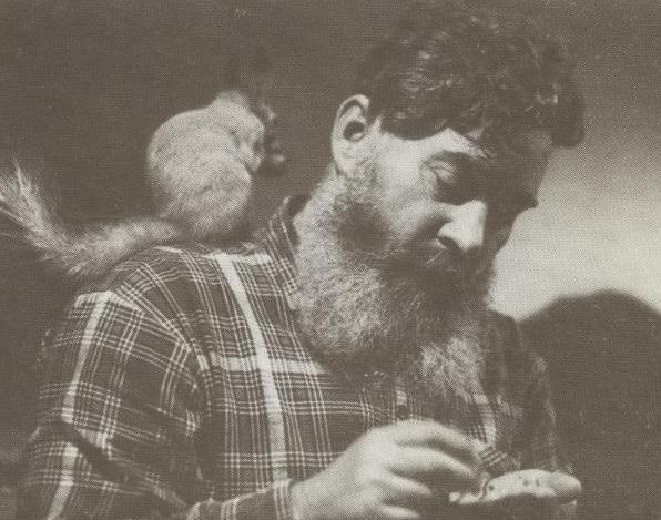 А.П.Кибальников с белкой