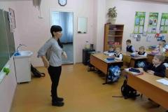 Анна-Долматова-обращается-к-первоклассникам