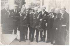 Менякин-И.И.-с-ветеранами-первой-конной-армии-Буденного