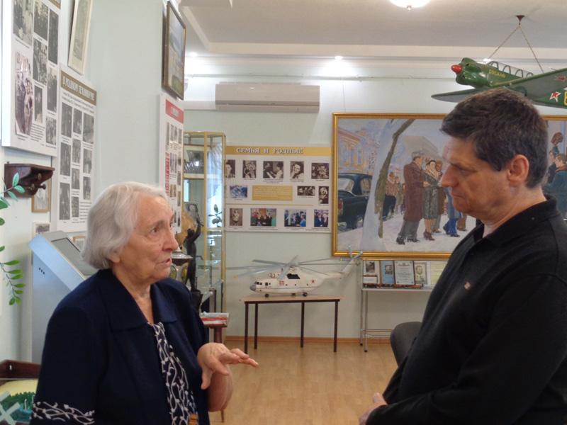 Россошанская-А.В.-и-Менякин-Иван-в-музее-Гагарина