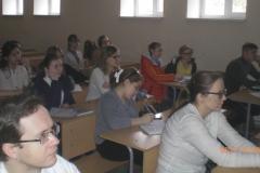 Студенты-медики-1-курса-слушают-Менякина