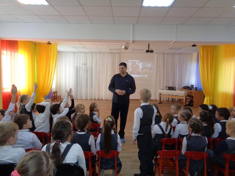 Дети задают вопросы Менякину Ивану