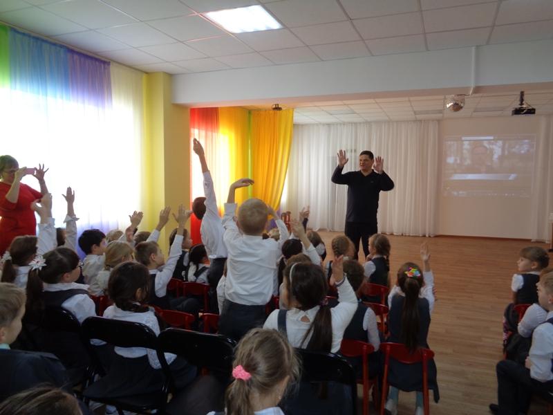 Оживлённая встреча со школьниками Садко Менякина Ивана