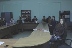 Наши-и-немецкие-студенты-слушают-Менякина