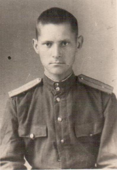 Младший-лейтенант-Менякин-1944 после училища