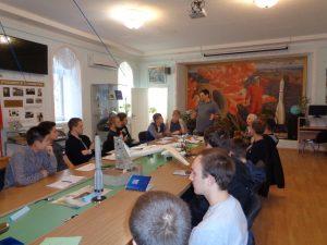 Студенты-Гагаринского-колледжа-слушают-Менякина-Ивана